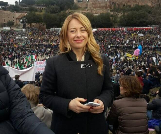 Tutte le ministre con il pancione: gravidanza e politica si può