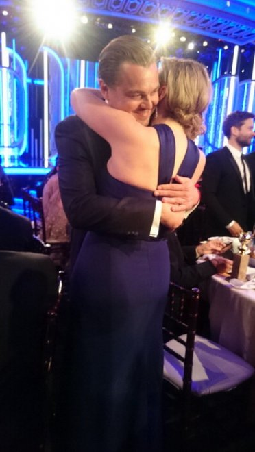 Kate Winslet, vestito blu firmato Dior ai Golden Globe29