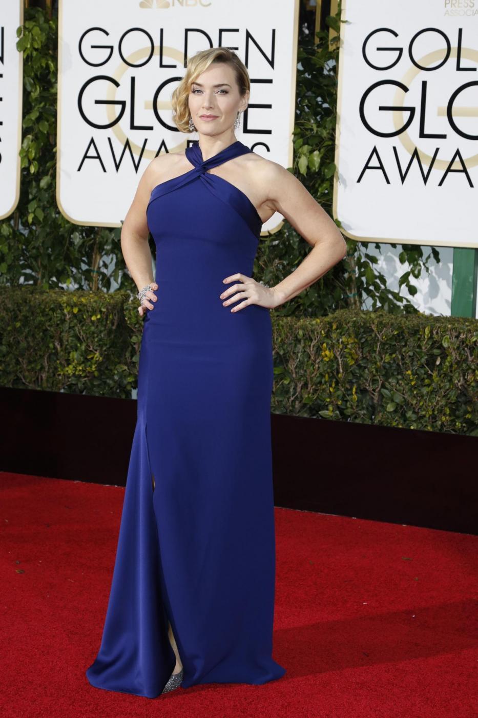 Kate Winslet, vestito blu firmato Dior ai Golden Globe10