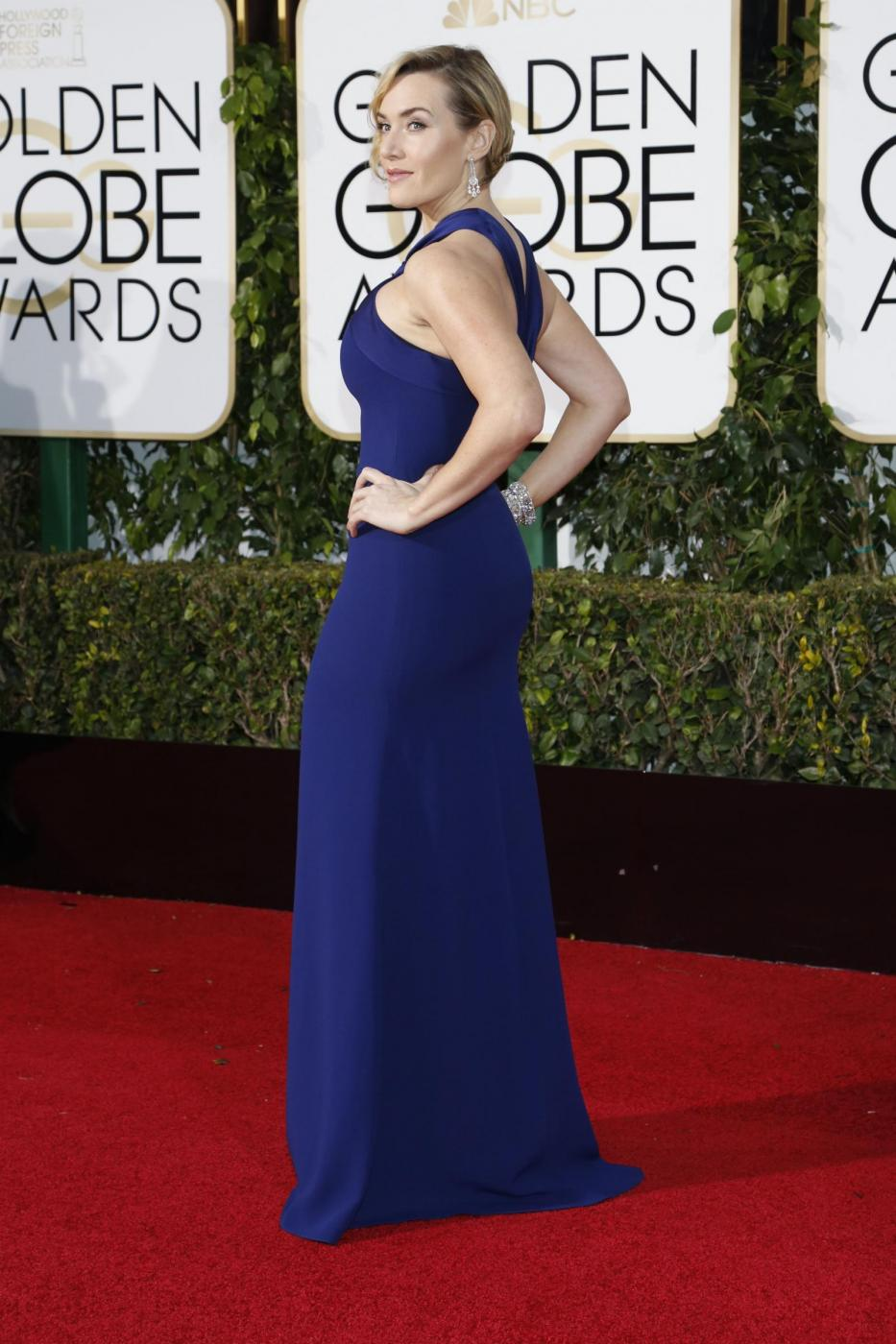 Kate Winslet, vestito blu firmato Dior ai Golden Globe16