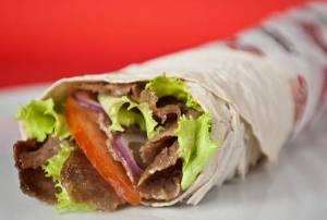 Kebab: buonissimo, ma bomba di calorie (e grassi e sale...)