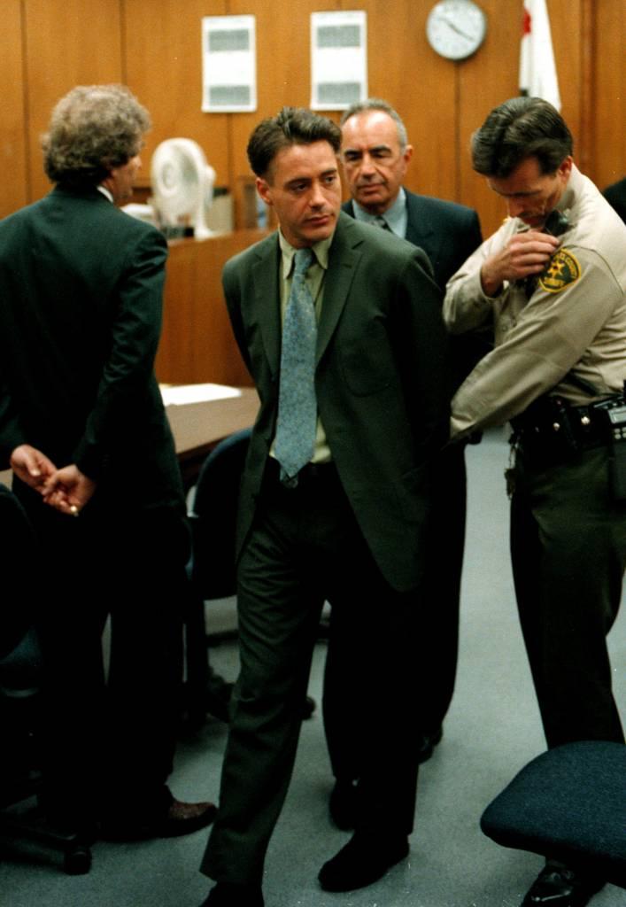 Robert Downey Jr prima e dopo: com'era da giovane FOTO