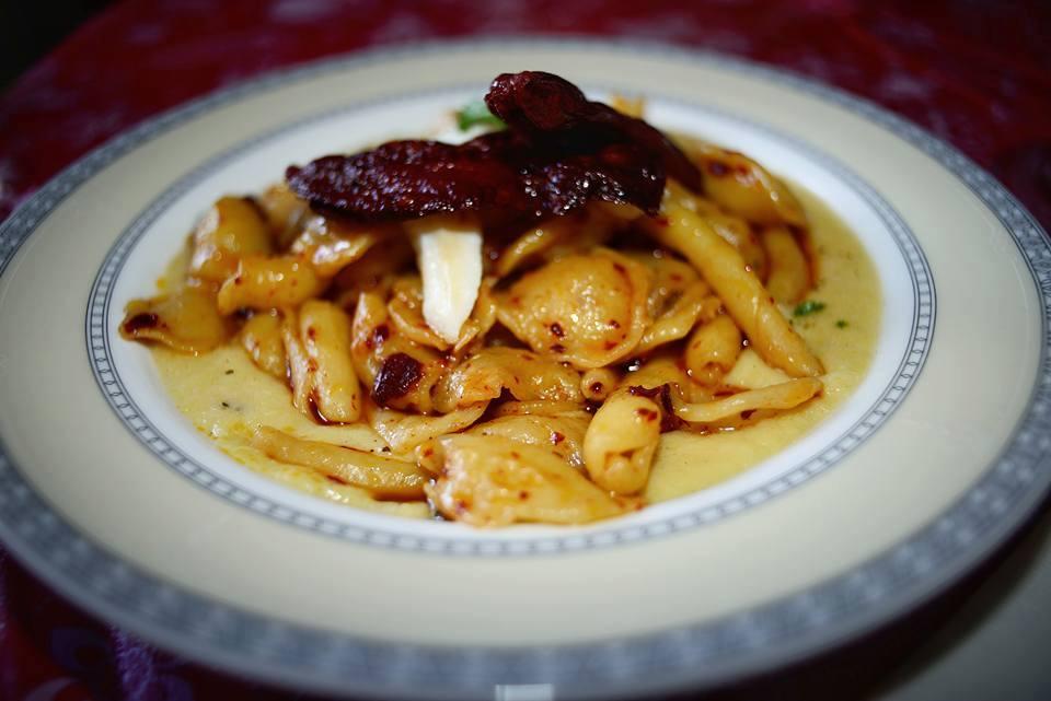 Cavatelli in Crema di Baccalà, Ceci e Peperoni Cruschi