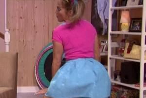Jennifer Lopez: twerking vestita di scolaretta 7
