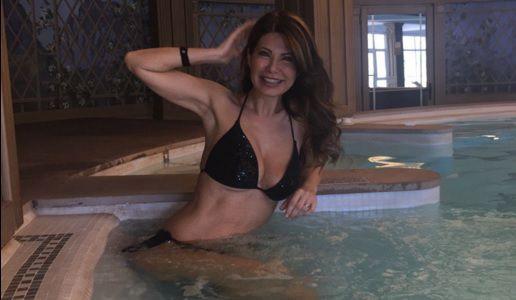 Susanna Messaggio splendida a 53 anni FOTO in Bikini