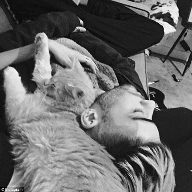 Gigi Hadid FOTO su Instagram di Zayn Malik e i fan...
