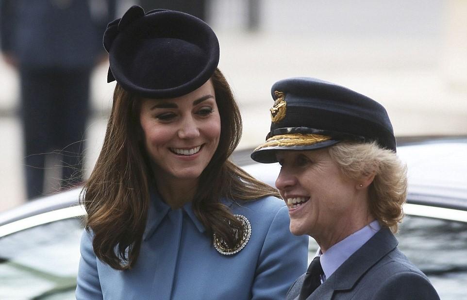 Kate Middleton criticata dagli inglesi: fine di un'era? FOTO