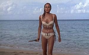 Ursula Andress, la prima Bond Girl compie 80 anni6