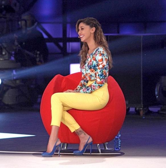 Belen Rodrigue, vestito a Pequenos Gigantes: top e tacchi FOTO