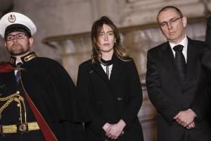 Maria Elena Boschi: cappottino nero e tacchi FOTO