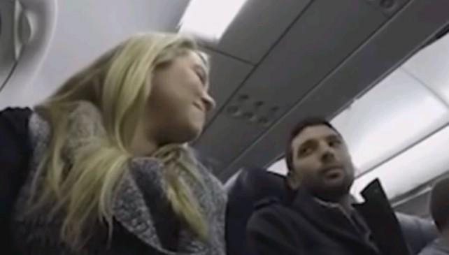 """""""Diventerai padre"""": l'annuncio del pilota dell'aereo"""