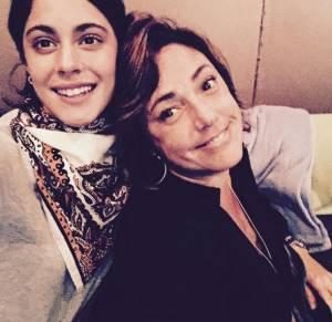 Martina Stoessel (Violetta): selfie con Claudia Brant FOTO