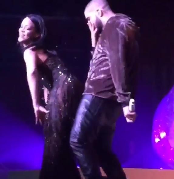Rihanna: tutina trasparente e quel twerking che... FOTO VIDEO
