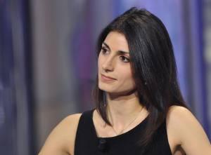 Maria Elena Boschi-Virginia Raggi: look a confronto FOTO