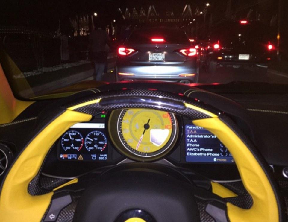Le auto ricoperte d'oro del principe saudita5