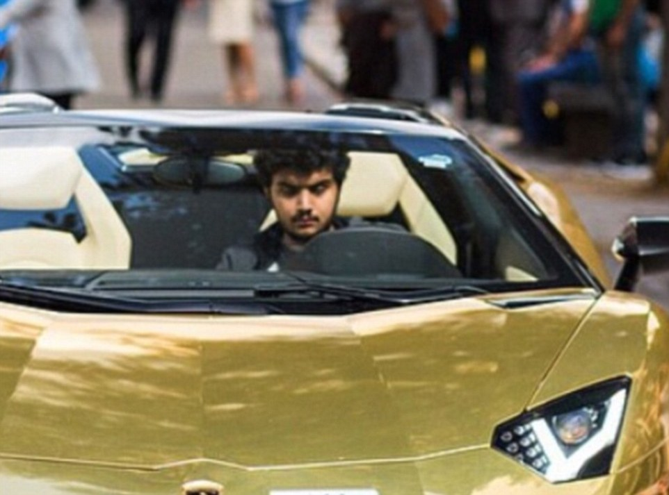 Le auto ricoperte d'oro del principe saudita