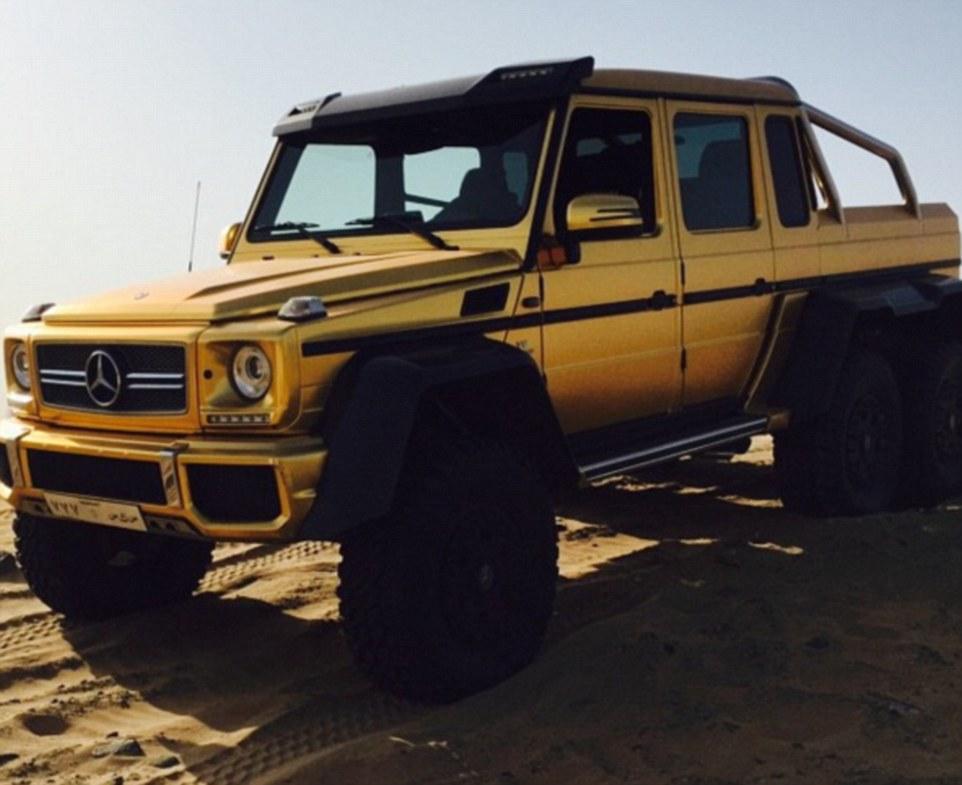 Le auto ricoperte d'oro del principe saudita14