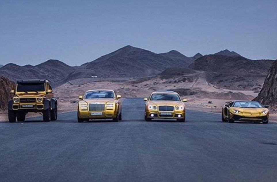 Le auto ricoperte d'oro del principe saudita13