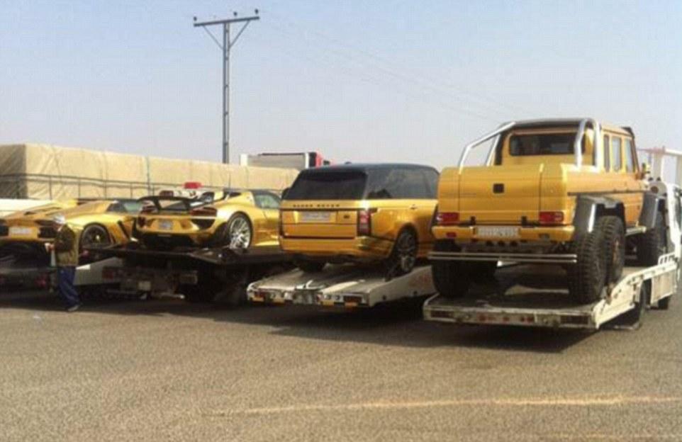 Le auto ricoperte d'oro del principe saudita10