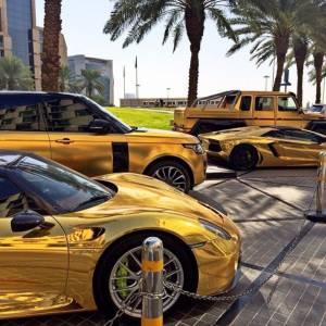 Le auto ricoperte d'oro del principe saudita8
