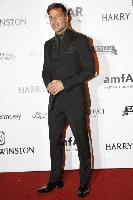Ricky Martin mano nella mano col nuovo fidanzato Jwan Yosef3