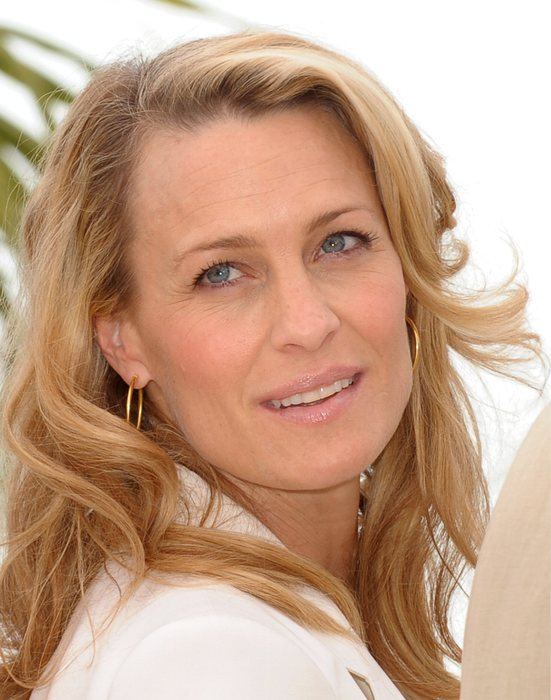 Robin Wright, first lady di house of Cards compie 50 anni12