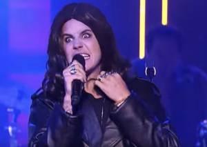 Justin Bieber imita Ozzy Osbourne ma i fan... VIDEO