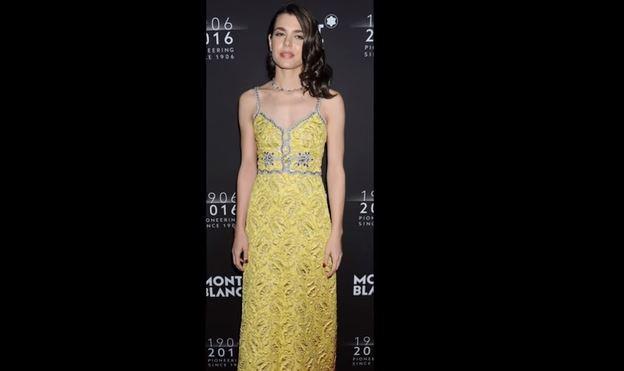 Charlotte Casiraghi incanta: abito giallo firmato Gucci VIDEO