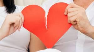 Infedeltà di coppia, nuovo studio allarmante: un padre su 50...