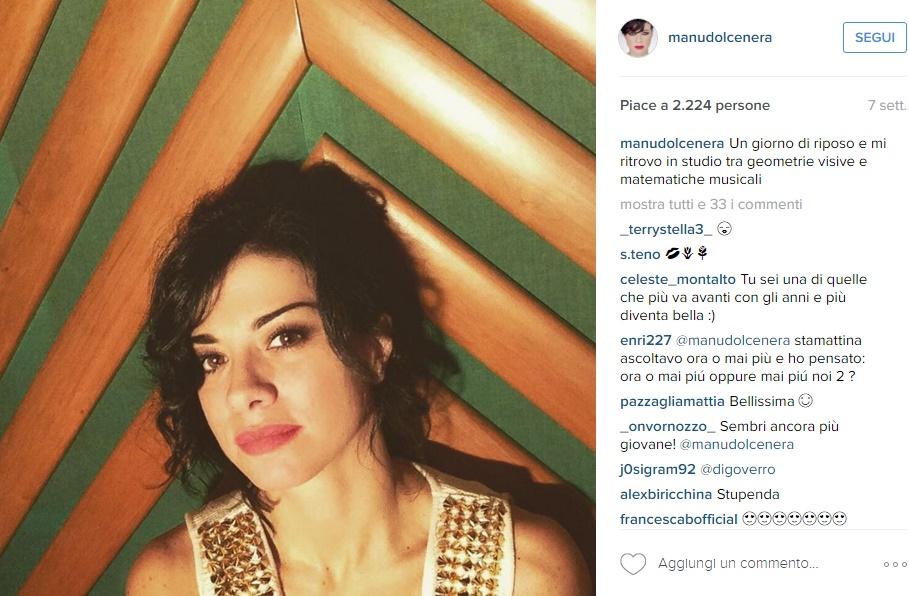 Dolcenera, Caterina Balivo: passione caschetto FOTO