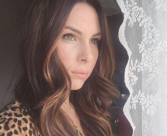 """Micol Olivieri: """"Basta foto di mia figlia"""". Ecco che è successo"""