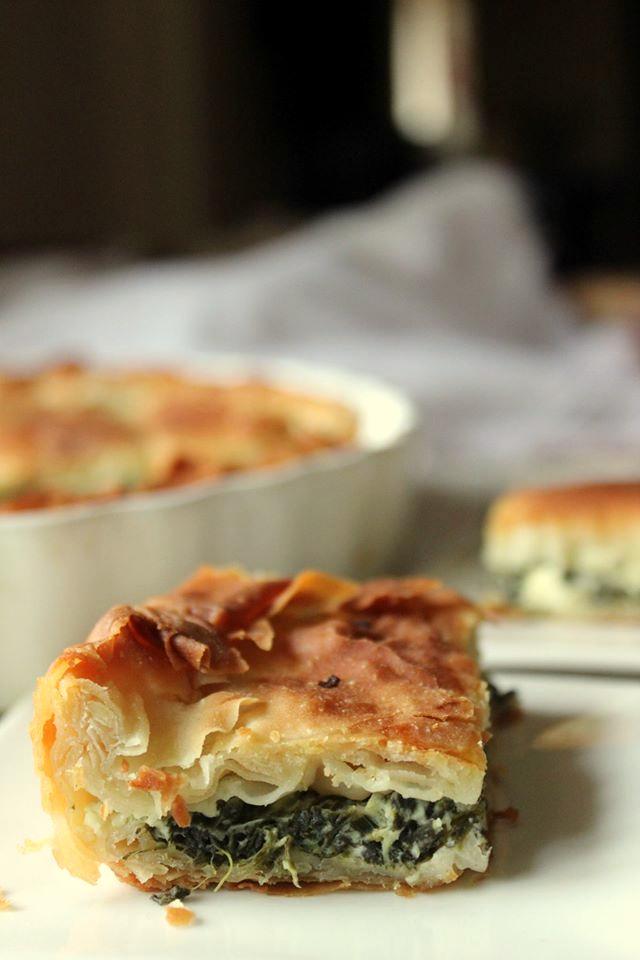 Spanakopita: Torta di Pasta Fillo con Spinaci e Feta