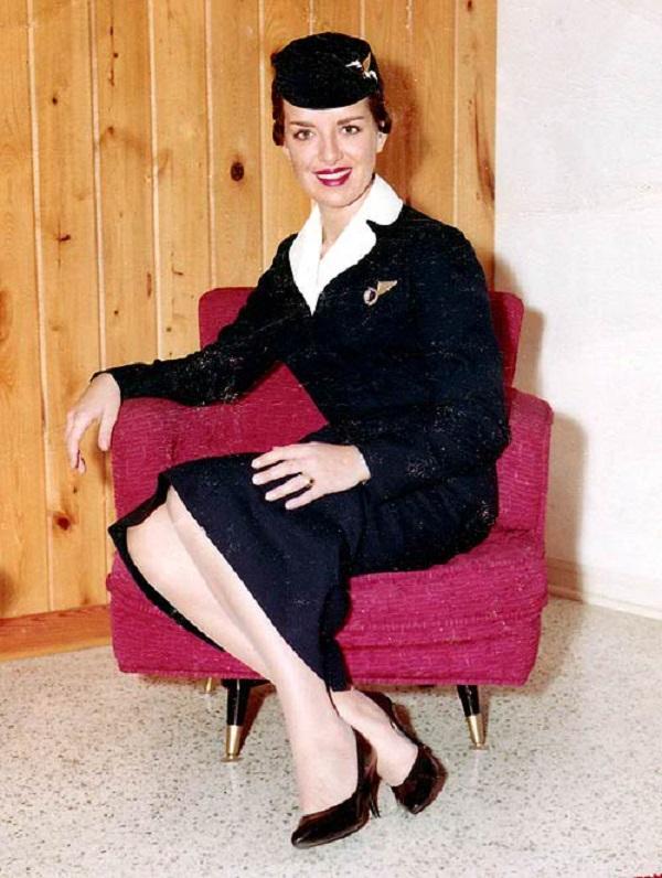 Bette Burke-Nash ha 80 anni: da 58 fa la hostess