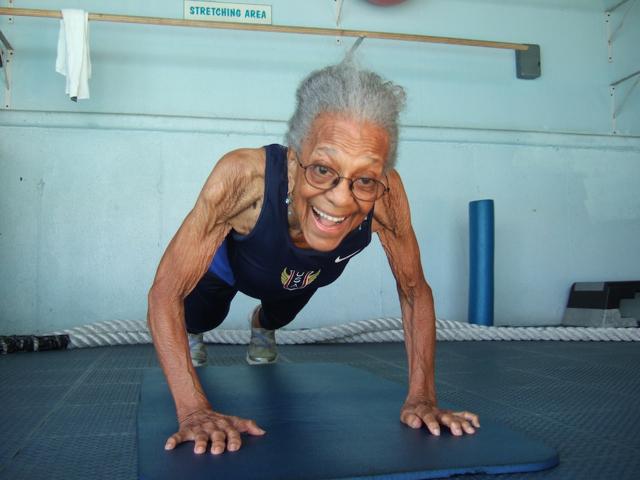 Corre i 100 metri a 101 anni ed entra nel Guinness