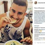 Ragazzi mangiano hummus FOTO8