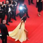 Amal Alamuddin: abito giallo firmato Versace a Cannes FOTO