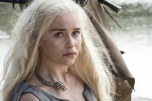 """Game of Thrones, Emilia Clarke: """"Quella scena imbarazzante..."""""""