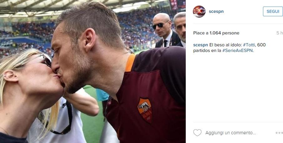 Ilary Blasi: Francesco Totti, il bacio che scalda i tifosi FOTO