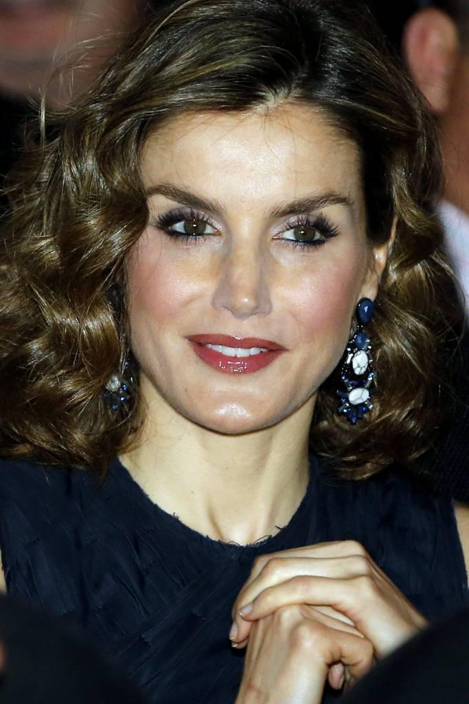 Letizia Ortiz cambia look: versione riccia FOTO