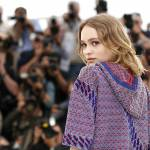 Lily Rose Depp incanta a Cannes: look Chanel FOTO 44