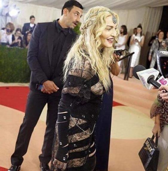 Madonna, abito trasparente al Met Gala: si vede...FOTO VIDEO