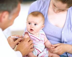"""Vaccini, Roberto Burioni: """"Ecco perché sono necessari"""""""