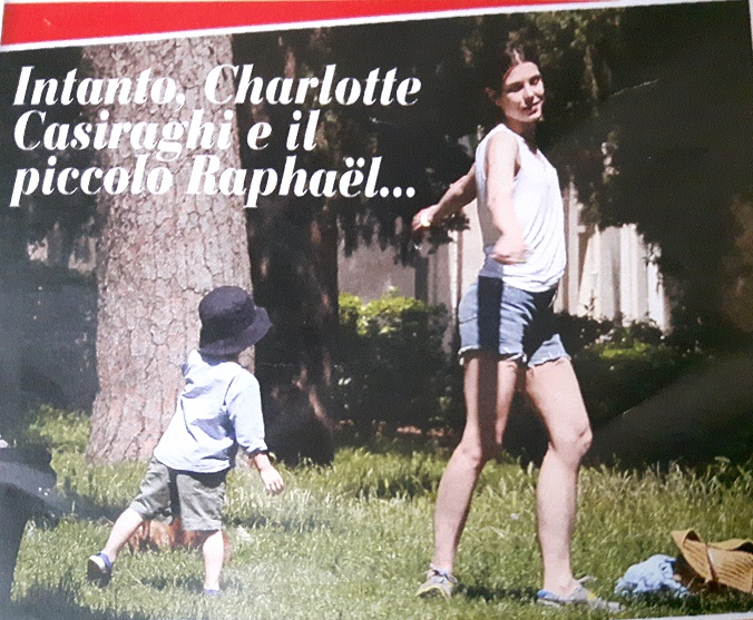Charlotte Casiraghi, look casual: shorts e sneakers FOTO
