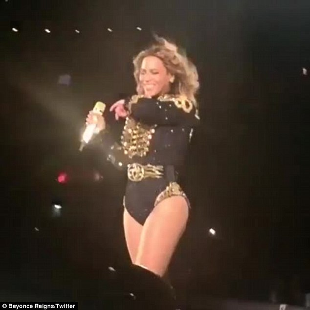 "Beyoncé starnutisce sul palco. I fan: ""E' umana anche lei1"