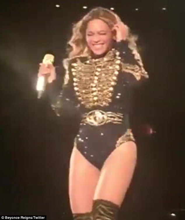 "Beyoncé starnutisce sul palco. I fan: ""E' umana anche lei5"