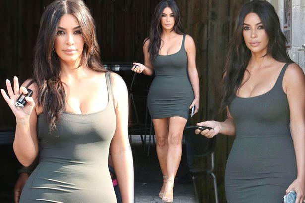 Kim Kardashian ha perso i chili post-parto FOTO col miniabito1