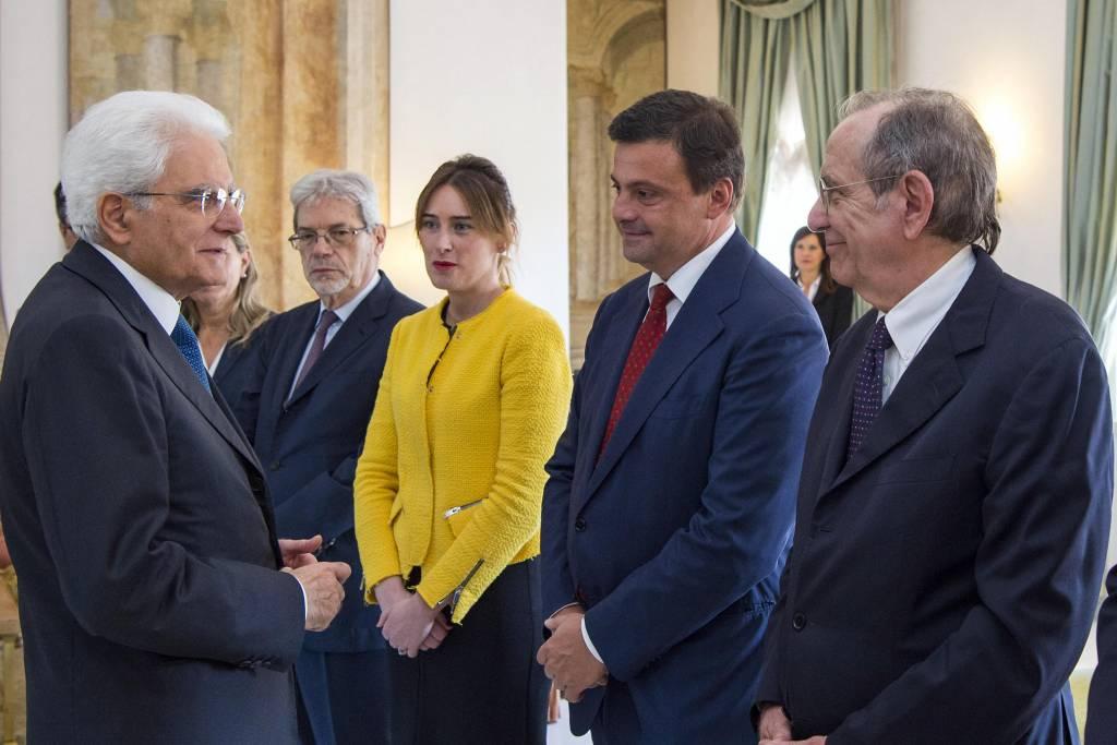 Maria Elena Boschi look: giacca gialla e longuette nera FOTO