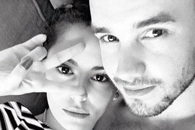 Liam Payne, compagna Cheryl criticata da Sarah Harding LEGGI