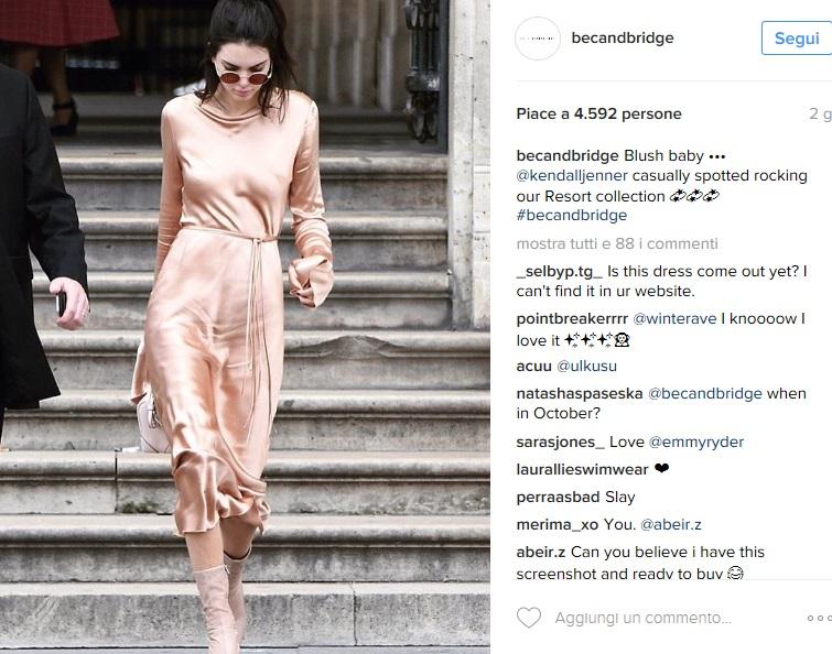 Kendall Jenner, bellissima in abito aderente Bec & Bridge FOTO