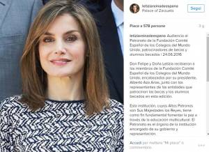 Letizia Ortiz look: pantaloni blu e tacchi FOTO